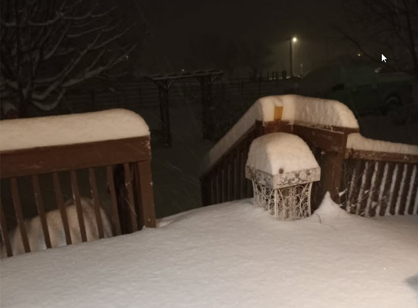Deep snow in Post early Friday morning (1 January 2021). The picture is courtesy of Tommy Cole and KCBD.