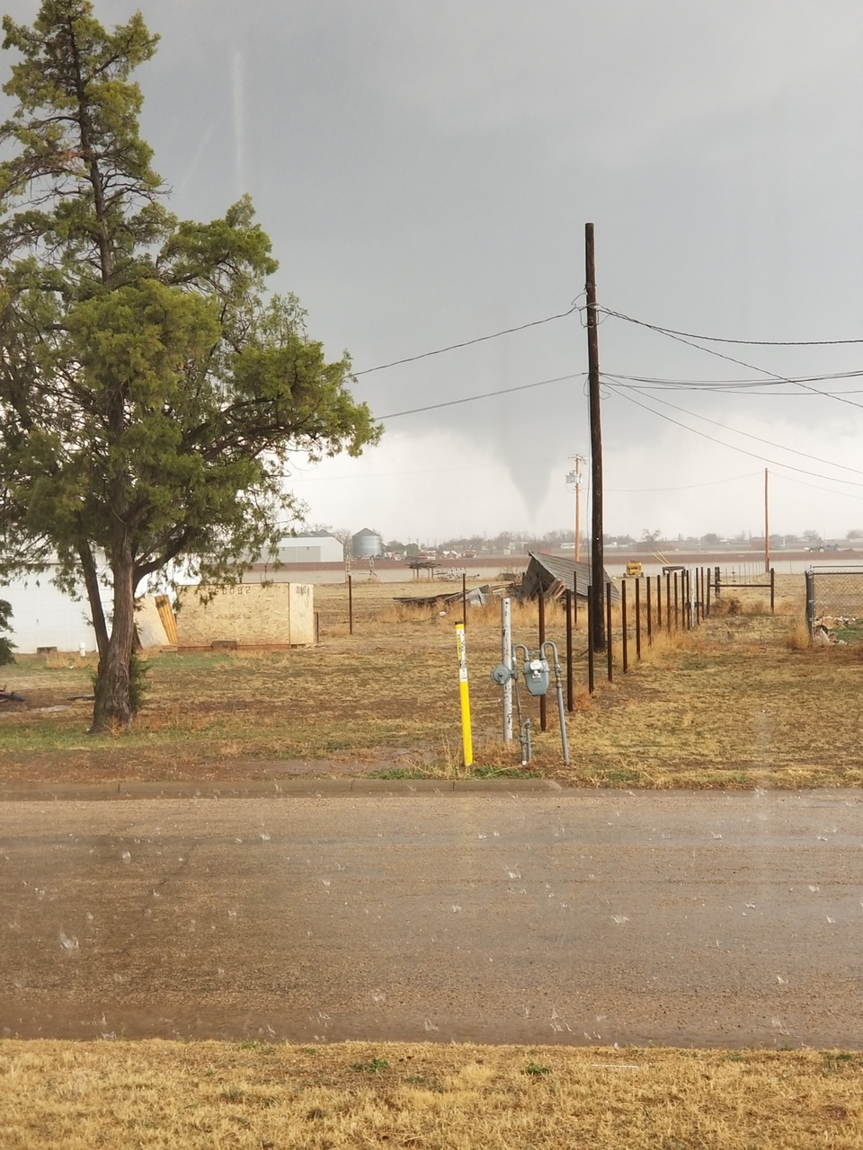 Tornado south of Plainview, Texas, Saturday afternoon (13 March). The picture is courtesy ofLeslie Daugherty and KAMC.