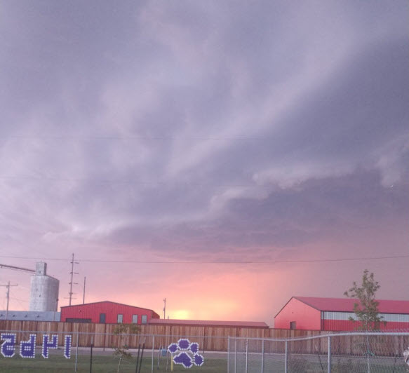 Shelf cloud near Dimmit Sunday evening (6 June). The picture is courtesy of Russell Stringfield.
